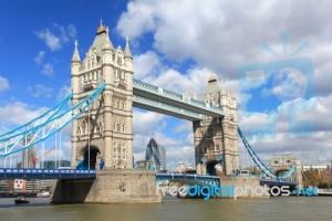 S olympiádou v Londýně stoupá počet hrozeb